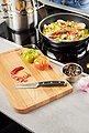 RÖSLE Gemüsemesser »Tradition«, scharfes Küchenmesser zum Schneiden von Obst und Gemüse, Klingenspezialstahl, ergonomischer Griff, Bild 2