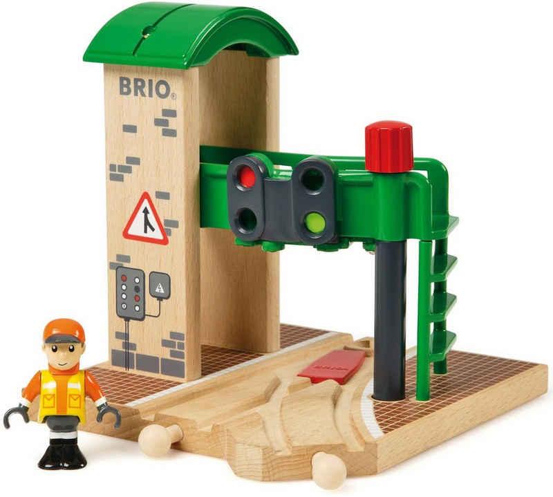 BRIO® Spielzeugeisenbahn-Gebäude »BRIO® WORLD Signal Station«, FSC®-Holz aus gewissenhaft bewirtschafteten Wäldern