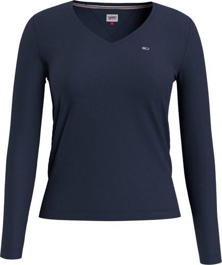 TOMMY JEANS Langarmshirt »TJW JERSEY V NECK LONGSLEEVE« mit Tommy Jeans Logo-Flag auf der Brust