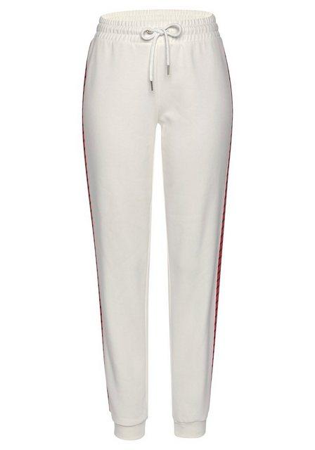 Hosen - Bench. Sweatpants mit seitlichem Streifen › weiß  - Onlineshop OTTO