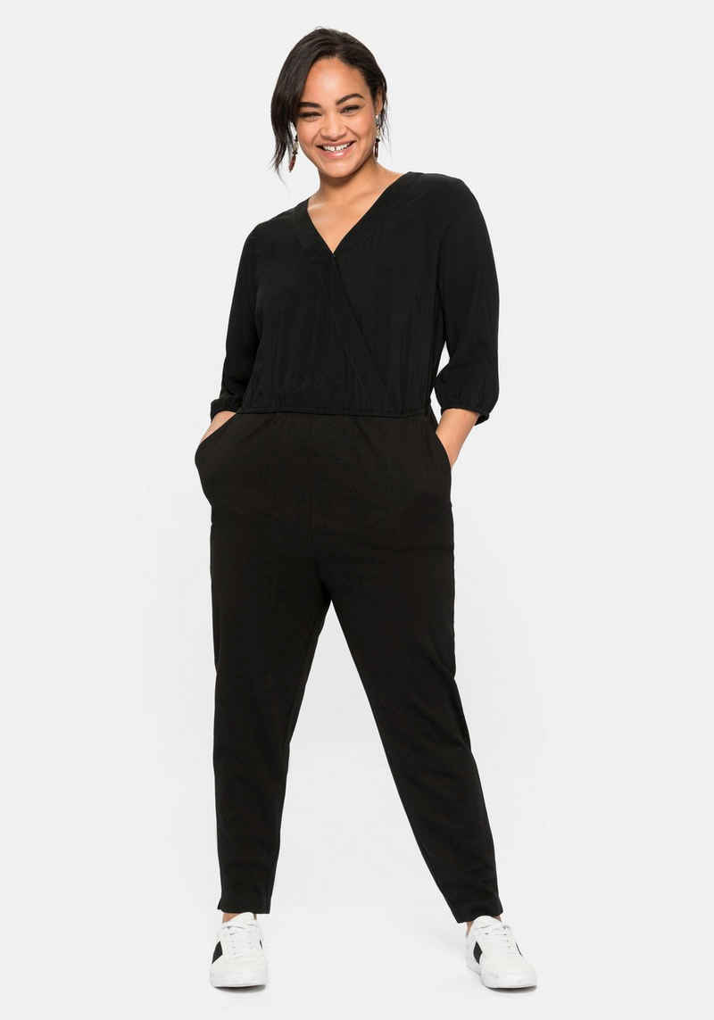 Sheego Jumpsuit in Wickeloptik, aus weichem Viskosemix