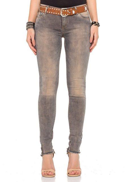 Hosen - Cipo Baxx Bequeme Jeans »inklusive Gürtel« im Vintage Look › braun  - Onlineshop OTTO