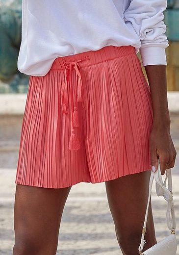 LASCANA Shorts aus Plissee