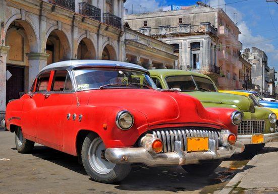 PAPERMOON Fototapete »Havana Oldtimers«, Vlies, in verschiedenen Größen
