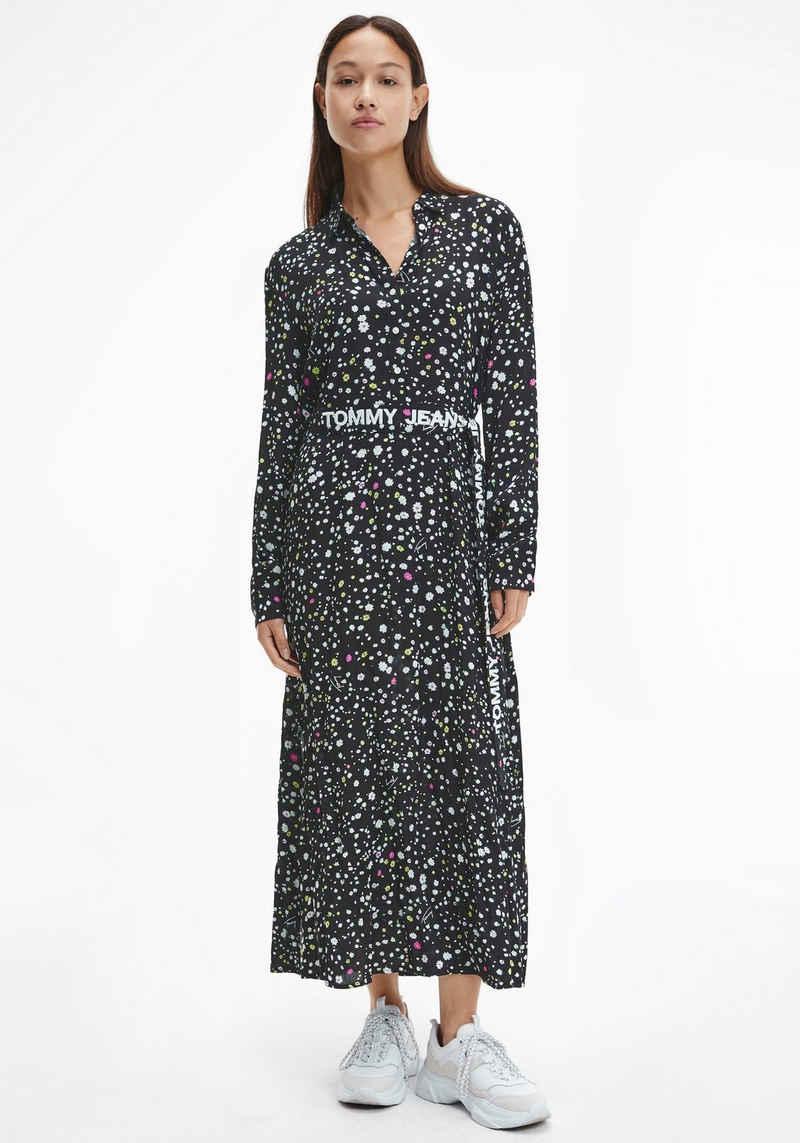 Tommy Jeans Hemdblusenkleid »TJW LONG MIDI FLORAL PRINT DRESS« mit allover Mille-Fleur & Tommy Jeans Schriftzug bedruckt