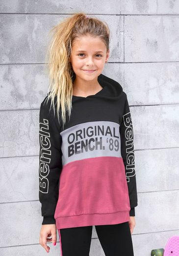Bench. Kapuzensweatshirt mit Logoprints