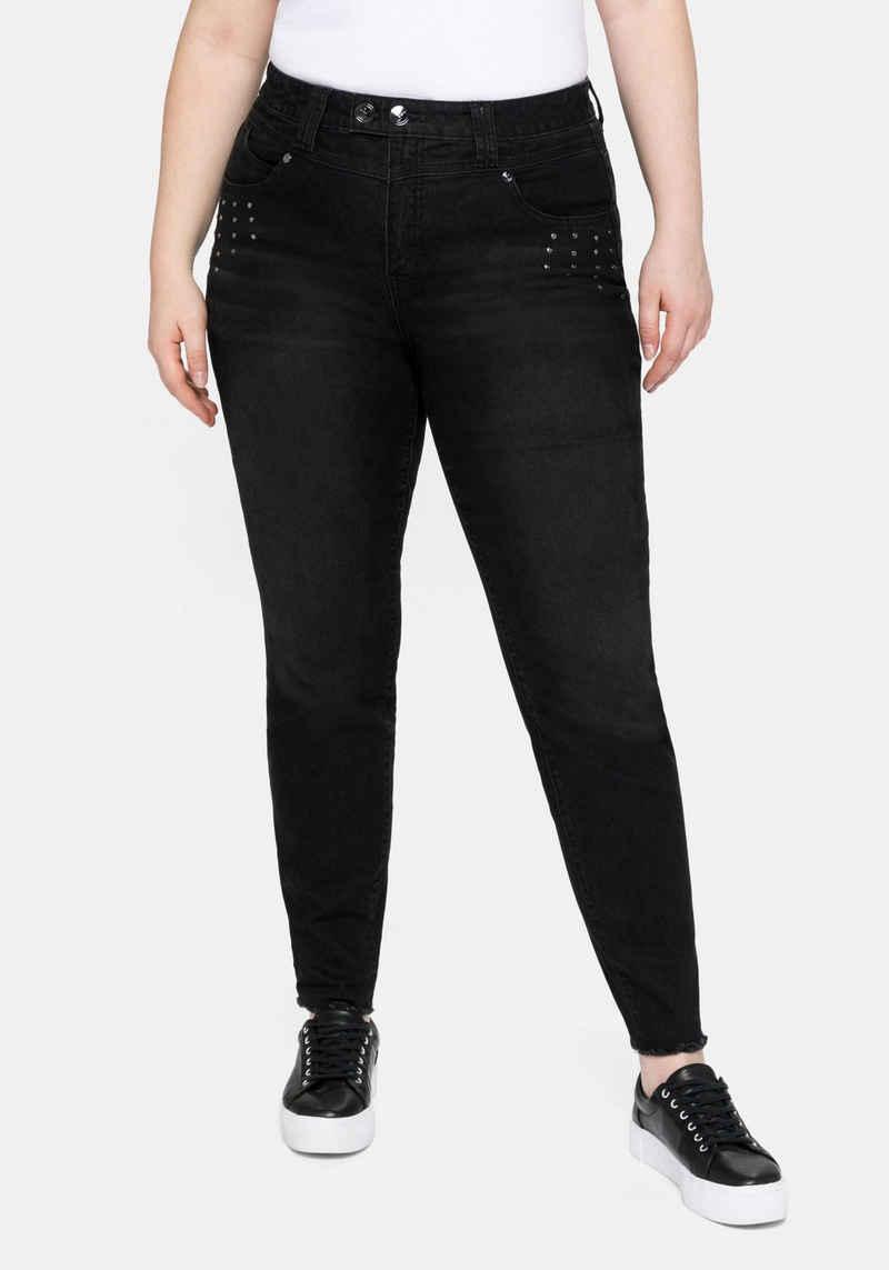 Sheego Stretch-Jeans mit Fransensaum und Ziernieten