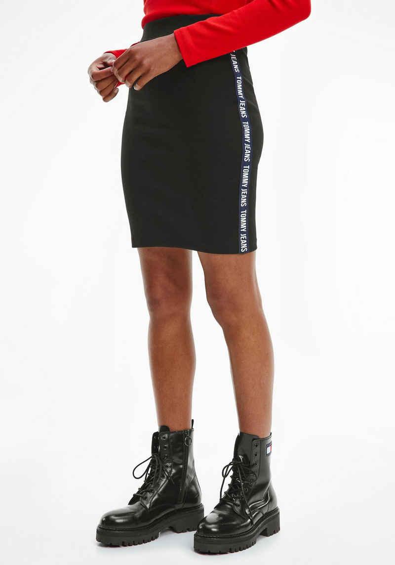 Tommy Jeans Jerseyrock »TJW Bodycon Skirt« mit Tommy Jeans Logo-Schriftzügen an der Seite