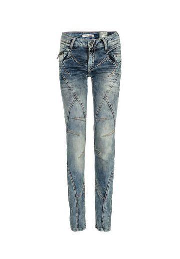 Cipo & Baxx Bequeme Jeans »Live« mit Ziernähten