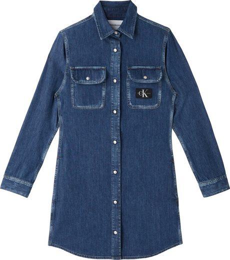 Calvin Klein Jeans Jeanskleid »RCHIVE RELAXED UTILITY DRESS« mit CK Logo-Badge auf der Brusttasche