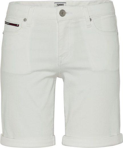 TOMMY JEANS Bermudas »MID RISE DENIM BERMUDA CNW« mit Reißverschluss an der Coinpocket & Tomy Jeans Logo-Badge