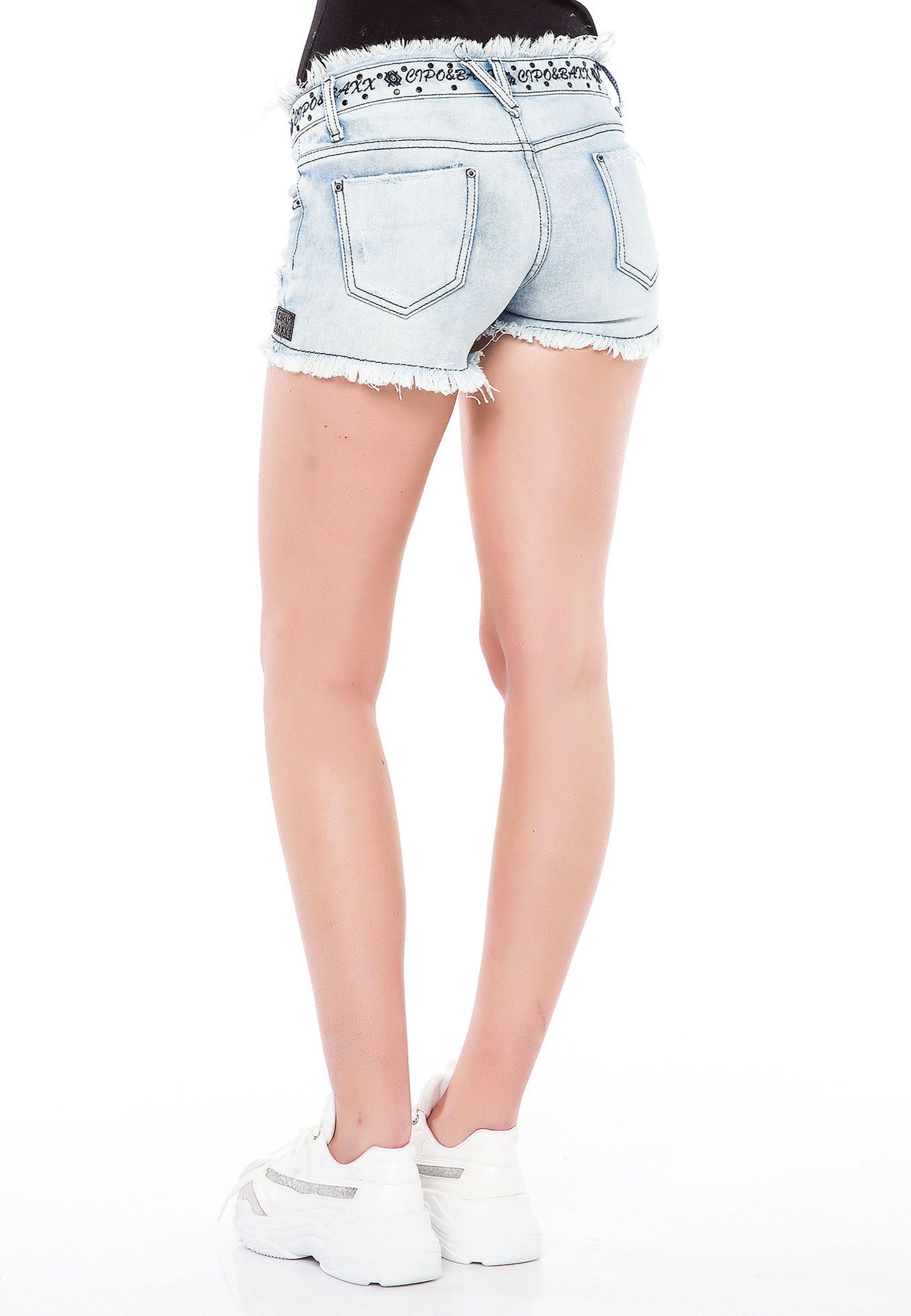 Cipo & Baxx Shorts in Used Optik mit Waschungen, Patches und Nieten QWBnLl