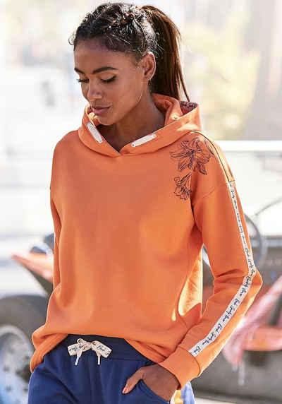 Bench. Kapuzensweatshirt mit Blumenprint und Logotapes