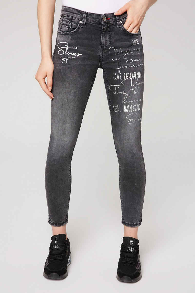 SOCCX Slim-fit-Jeans mit Wording-Print