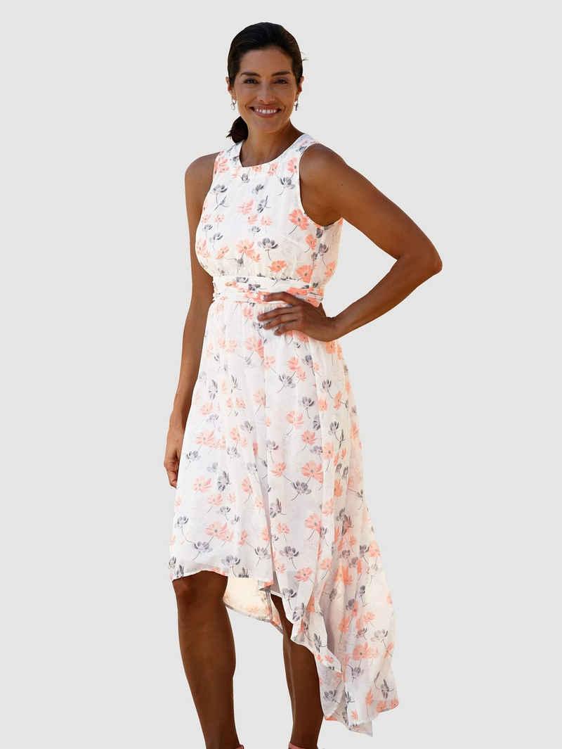 Laura Kent Kleid im weich fließenden Vokuhila-Look