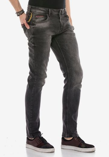 Cipo & Baxx Bequeme Jeans »CD533« mit optimaler Passform in Straight Fit