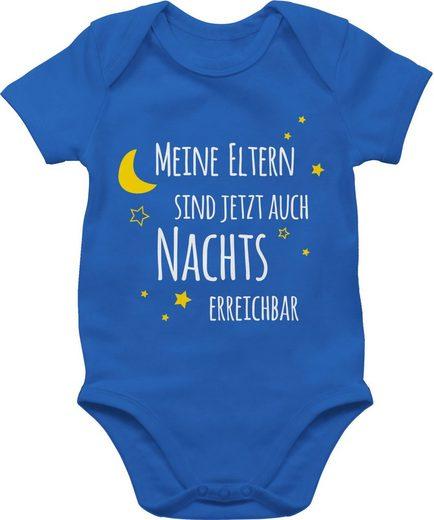 Shirtracer Shirtbody »Meine Eltern sind jetzt auch Nachts erreichbar - Statement Sprüche Baby - Baby Body Kurzarm« Spruch Sprüchen Spruchshirt